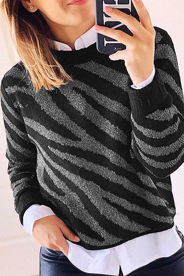 Loose Print Pullover Sweater