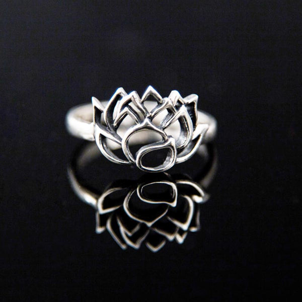 Lotus Blossom Outlined Ring