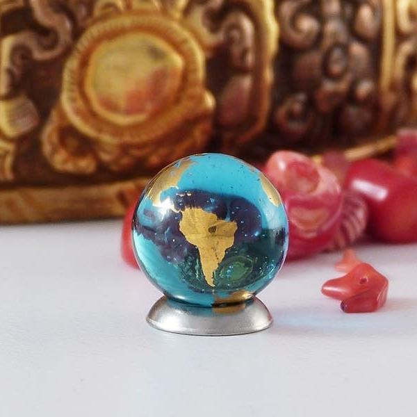 22k Gold-Plated Offering Globe