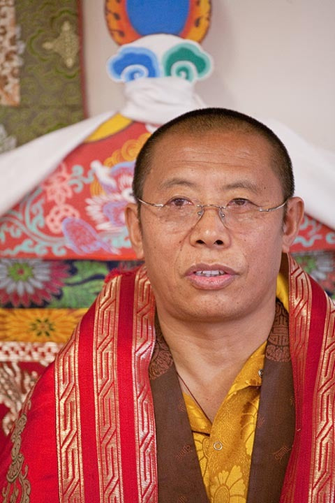 Tulku Sang-ngag Rinpoche on Throne Photo