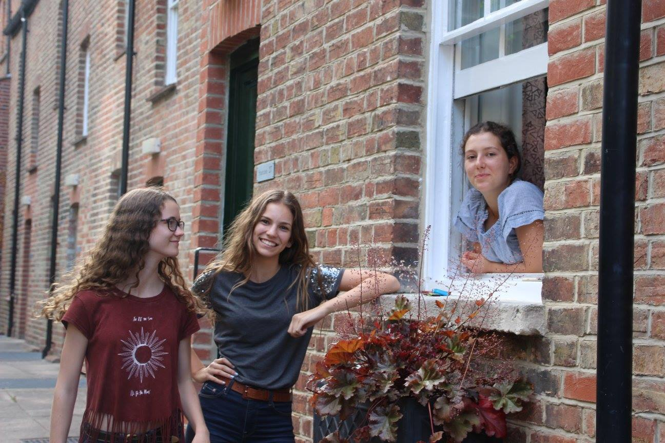Students stand outside an Oxford residence