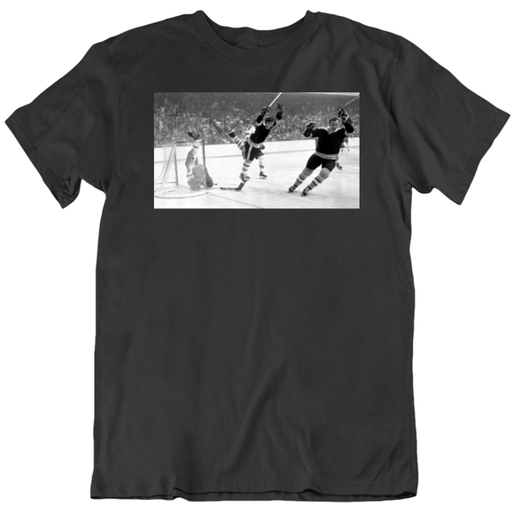 Bobby Orr Classic Score and Soar Famous Photo Boston Hockey Fan T Shirt