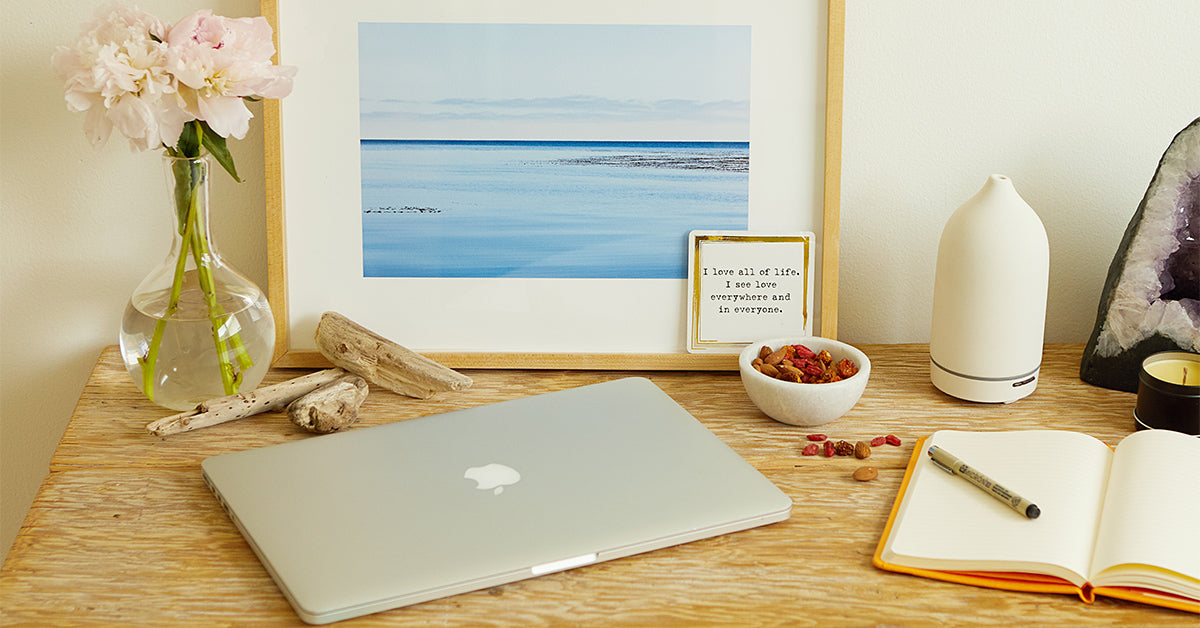 3 Things You Should Keep at Your Desk for Greater Productivity