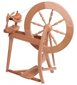 Ashford Traditional Spinning Wheel - Double Drive