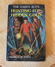 vintage Hardy Boys mystery book no 5,Hunting for Hidden Gold by Franklin W.Dixon,vintage book collection,Hardy Boys book,Grosset & Dunlap