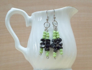 Black/lime glass bead twin dangle drop earrings,twin dangle drop earrings,black/lime dangle Earrings,dangle earrings,black/lime earrings