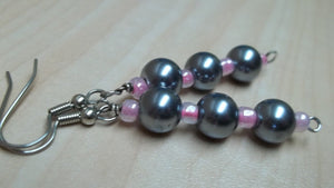 grey glass pearl earrings,pink glass beads Earrings,gray bead earrings,pink bead earrings,fau bead earrings,faux grey bead earrings