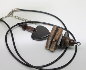 Unisex Brown wooden bead heart necklace,maple branch beads,wooden heart bead neclace,wood heart bead necklace,primitive necklace,