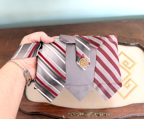 striped burgundy/grey tie wristlet bag,tie wristlet bag,burgundy tie wristlet bag,burgundy/grey wristlet,burgundy hand bag,burgundy wristlet