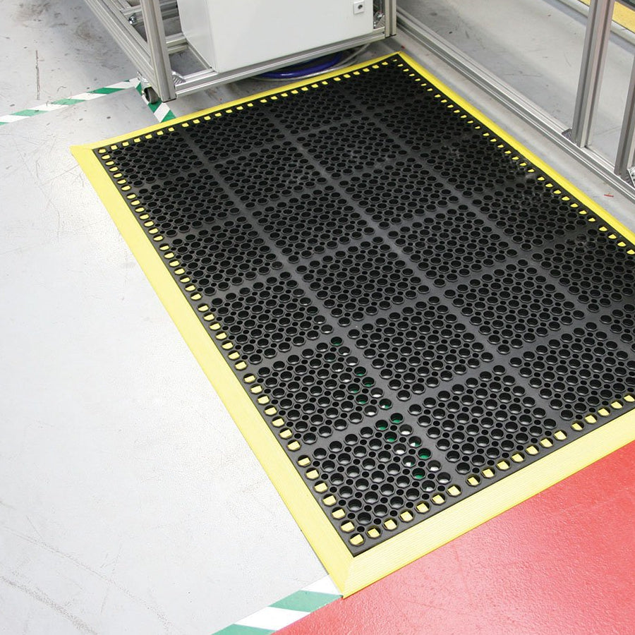 ZoneMat Deluxe - heavy duty connectable rubber duck-board matting
