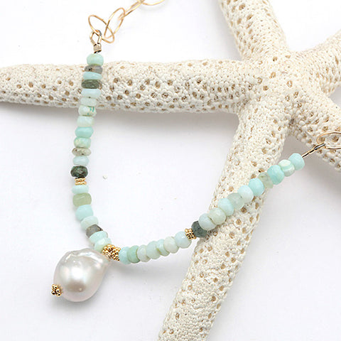 seaside cottage necklace