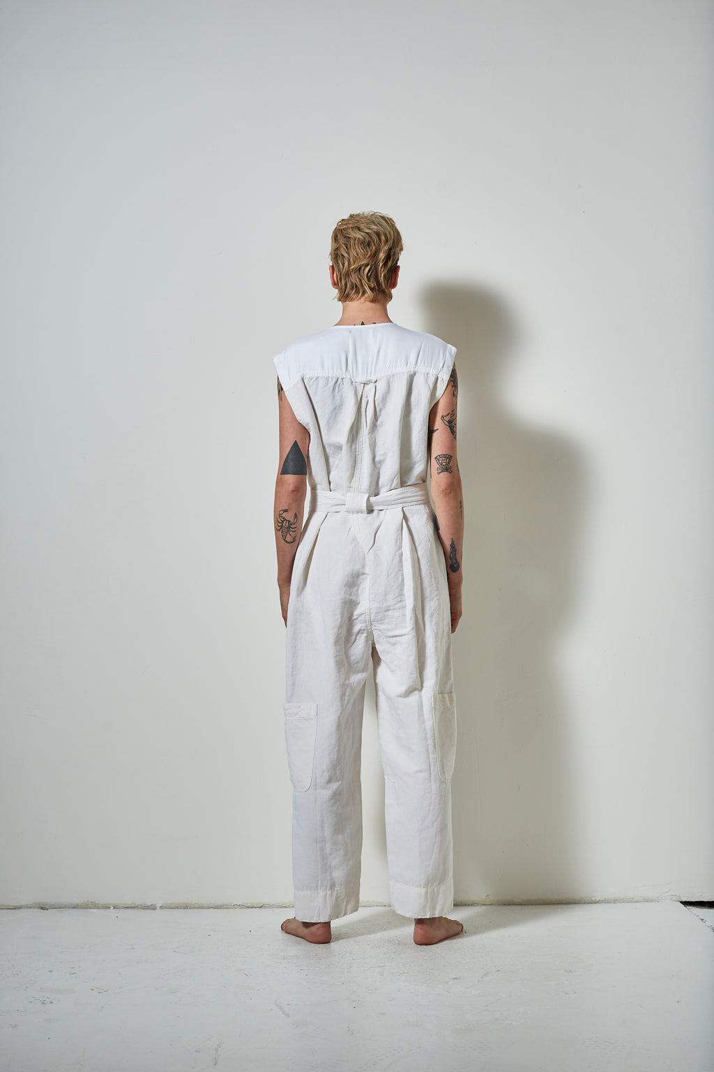 EXPLORER SLEEVELESS LINEN JUMPSUIT- SALT