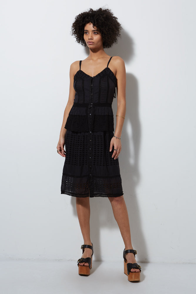 HALF MOON SLEEVELESS DRESS, BLACK