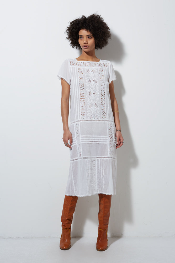 SHORT SLEEVE EYELET DRESS, WHITE