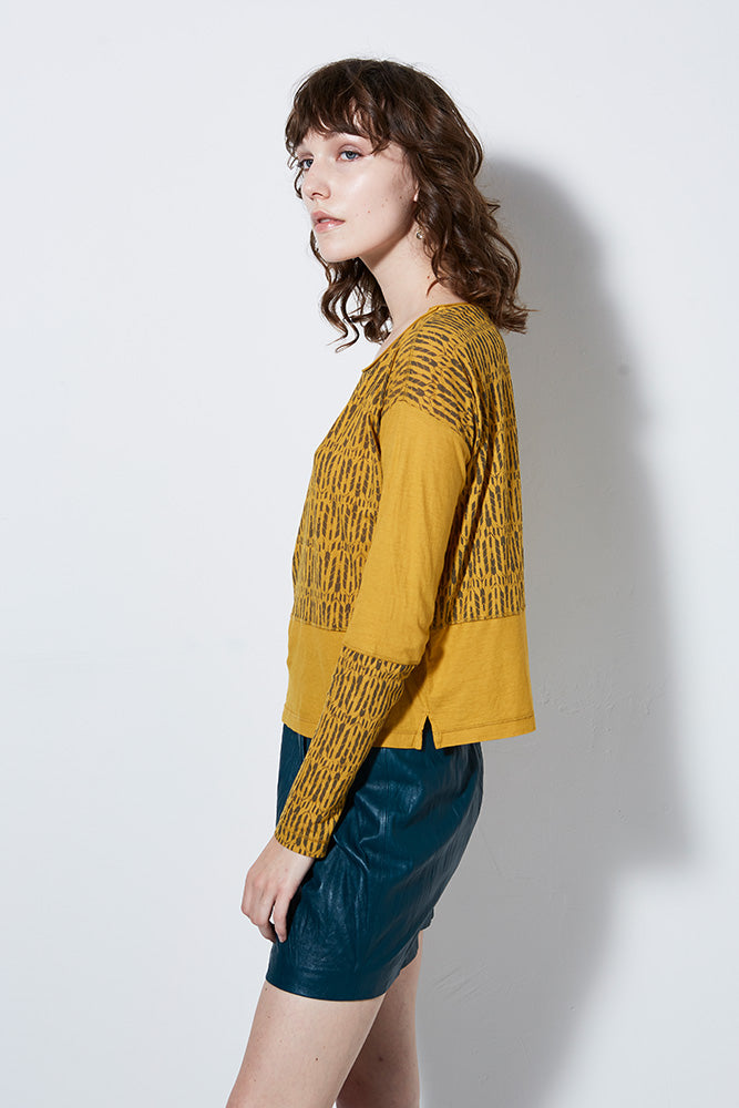 CHIMERA LONG SLEEVE PRINT TEE, MUSTARD