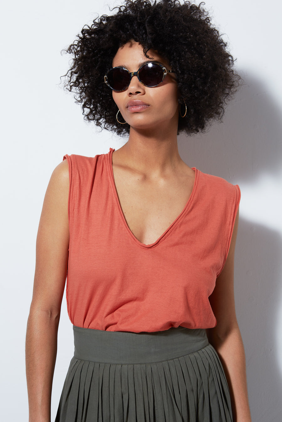 PCH SLEEVELESS TEE, CORAL