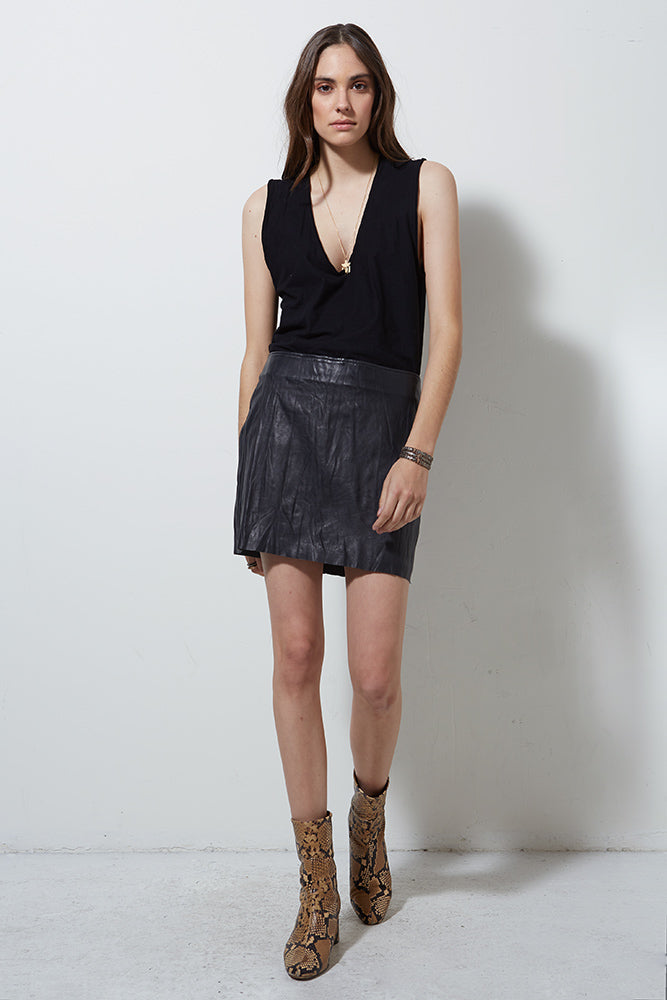 Incline Washed Leather Skirt in Washed Black