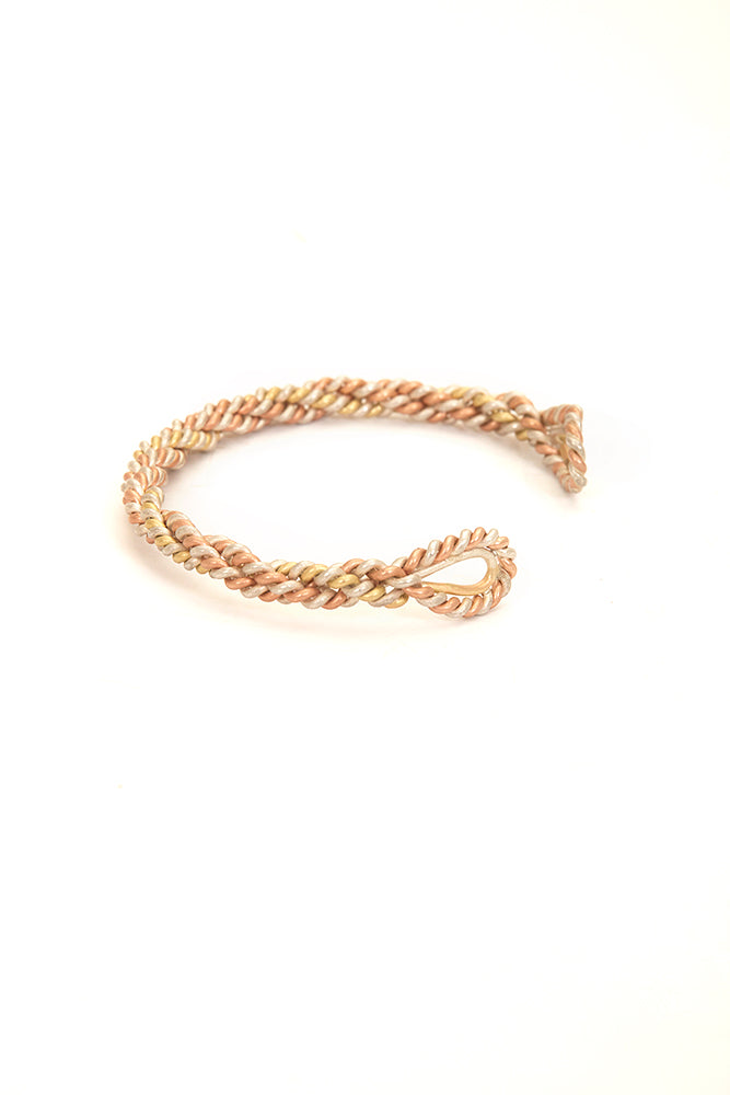 CLEOPATRA TWISTED GOLD WIRE CUFF