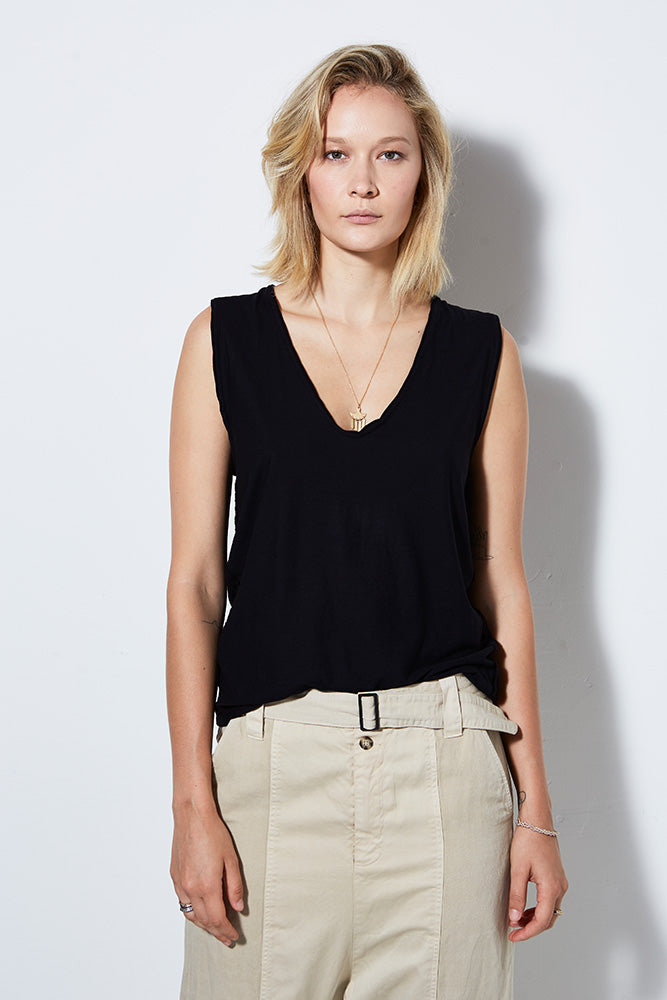 PCH SLEEVELESS TEE, BLACK