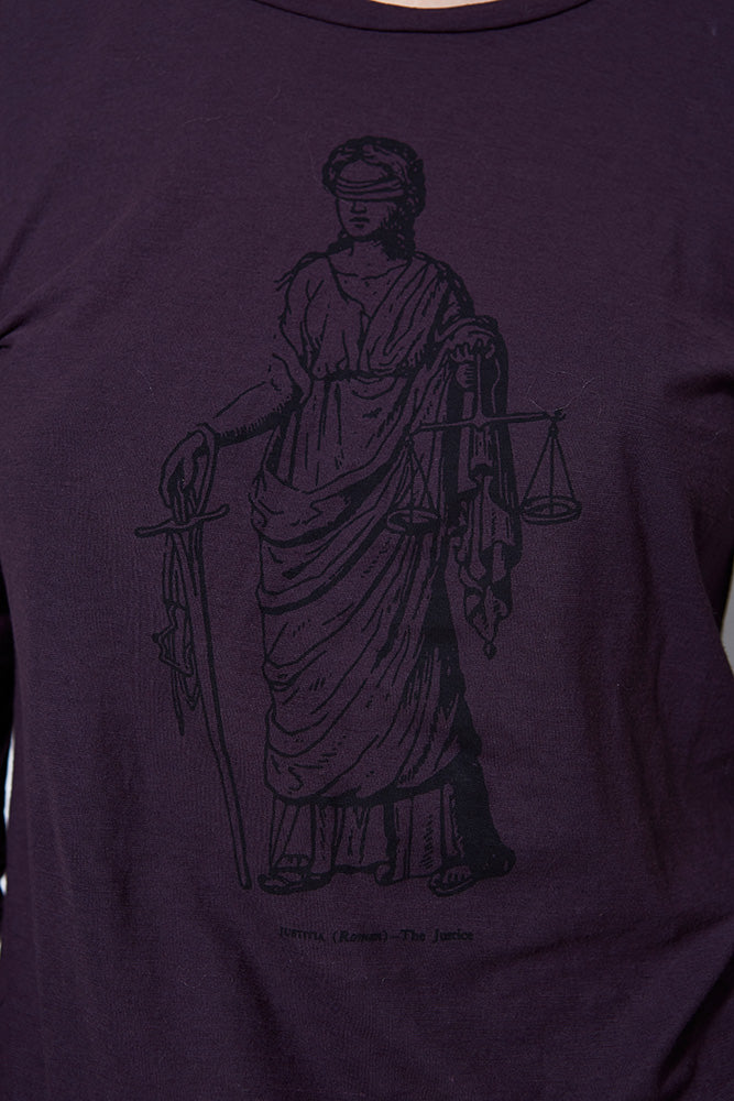 GRAPHIC TEE LADY JUSTICE LONG SLEEVE, EGGPLANT