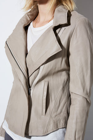 RELAXED WASHED LEATHER MOTO - FOG