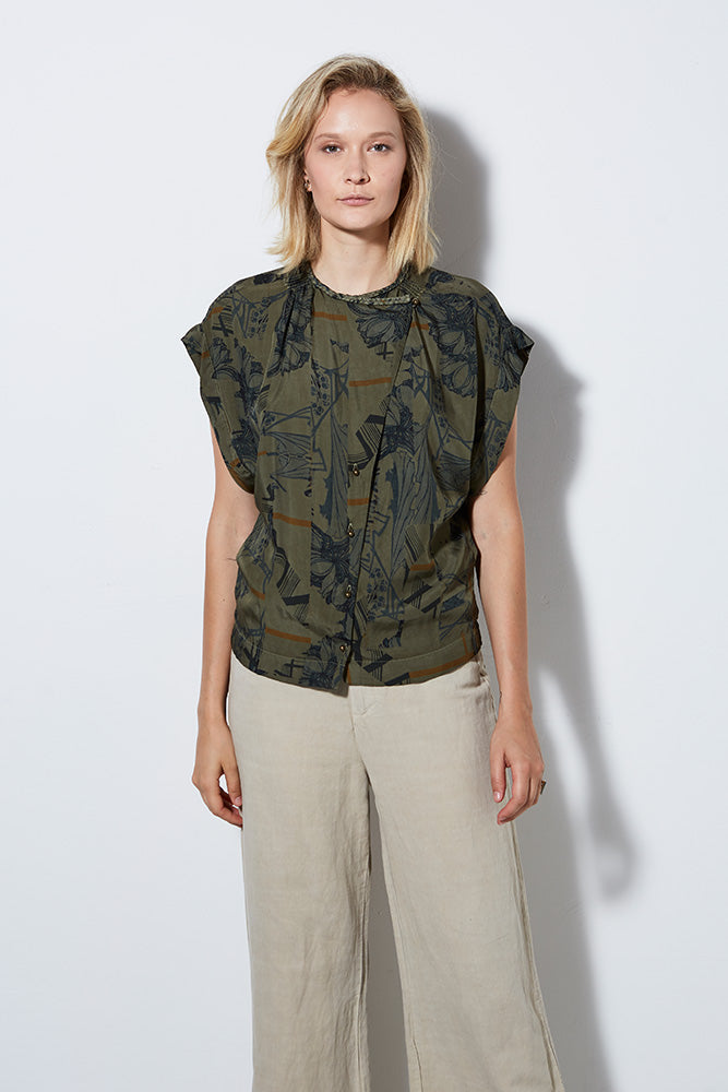 ATLANTIS PRINT SHORT SLEEVE TOP, ARMY