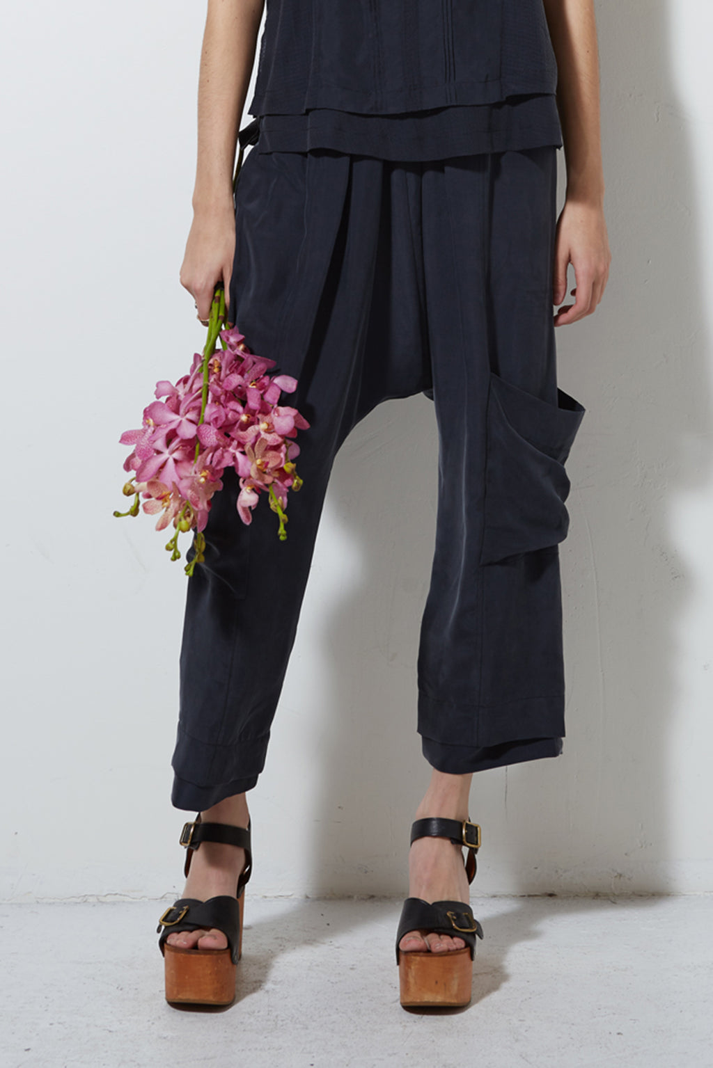 MAGNOLIA CROP PANT, BLACK
