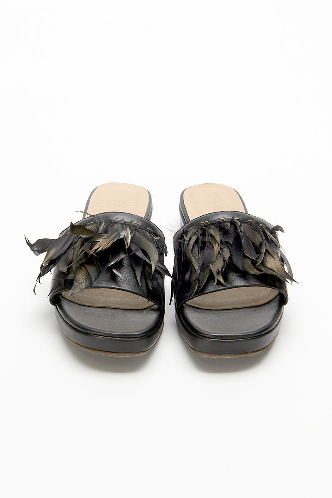HENRY BEGUELIN SANDAL WITH FEATHERS