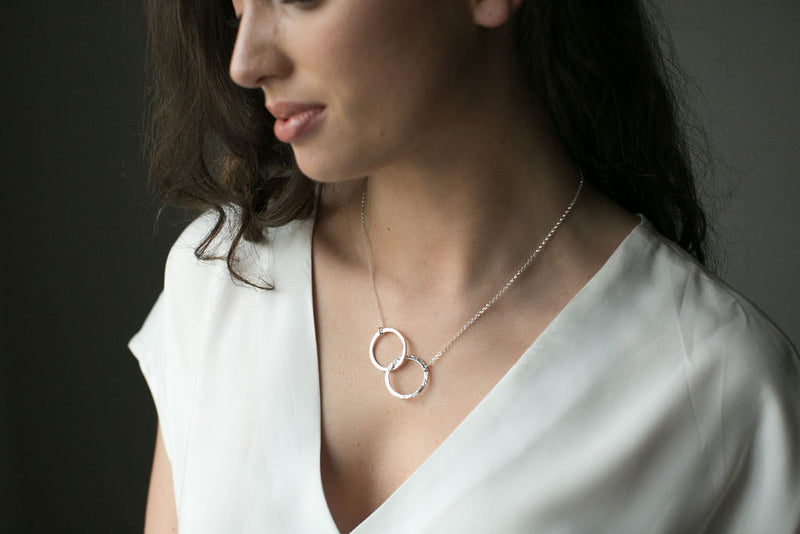 Silver Inter-Twining Double Circles Necklace