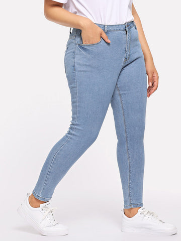 Plus Pocket Patched Crop Skinny Jeans