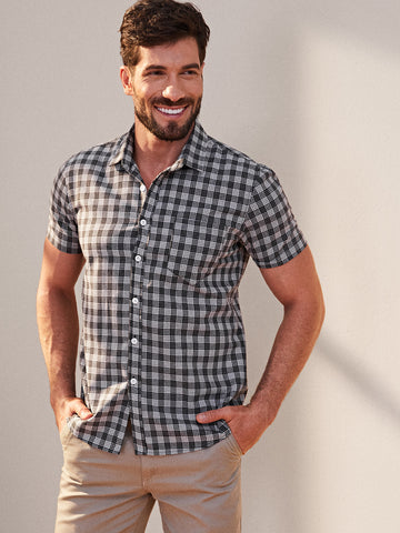 Men Gingham Button Front Shirt