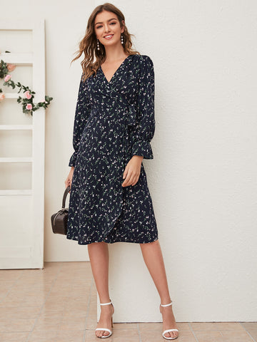 Ditsy Floral Print Knot Side Dress