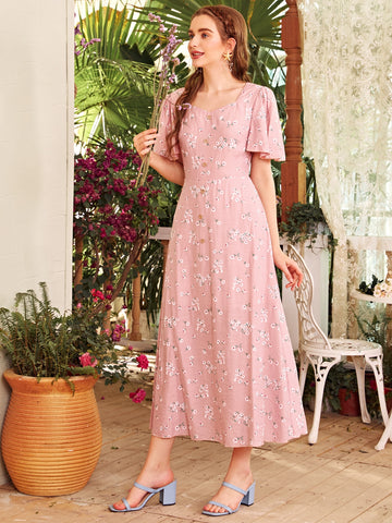 Ditsy Floral Print Sweetheart Neck Butterfly Sleeve Dress