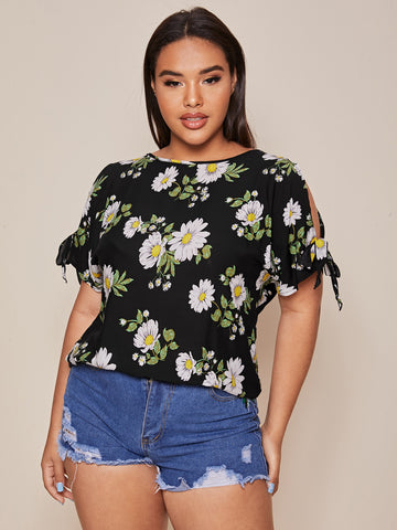 Plus Knotted Cuff Floral Top