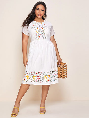 Plus Zip Back Floral Embroidery Dress