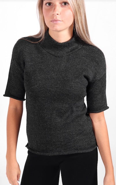 Ete Noir - Short Sleeved Mockneck