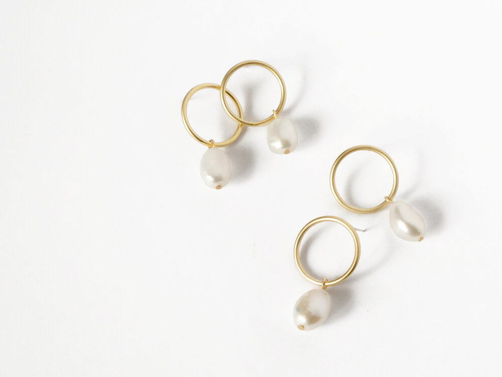 Sara Golden - Baroque Pearl Drop Earrings