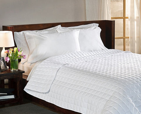 Suite Collection Lightweight Down Alternative Comforter
