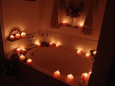 Himalayan Salt Candle Holders around Bathtub