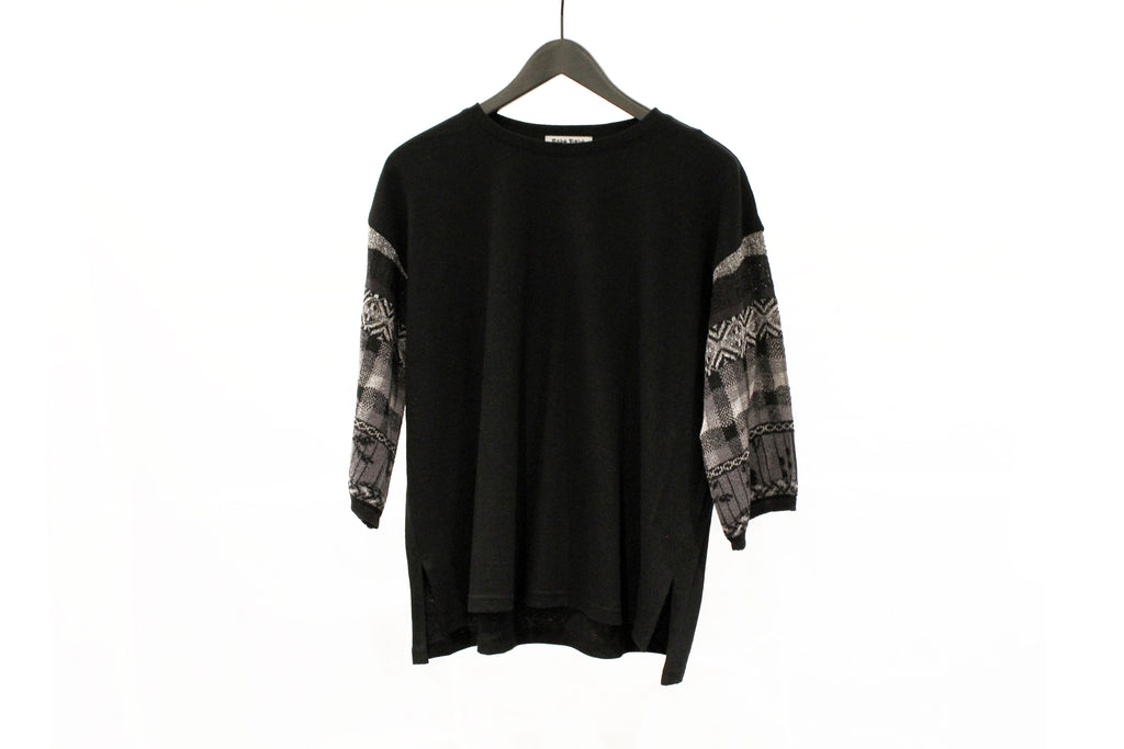 M&Kyoko Black Knitted Sleeves Top