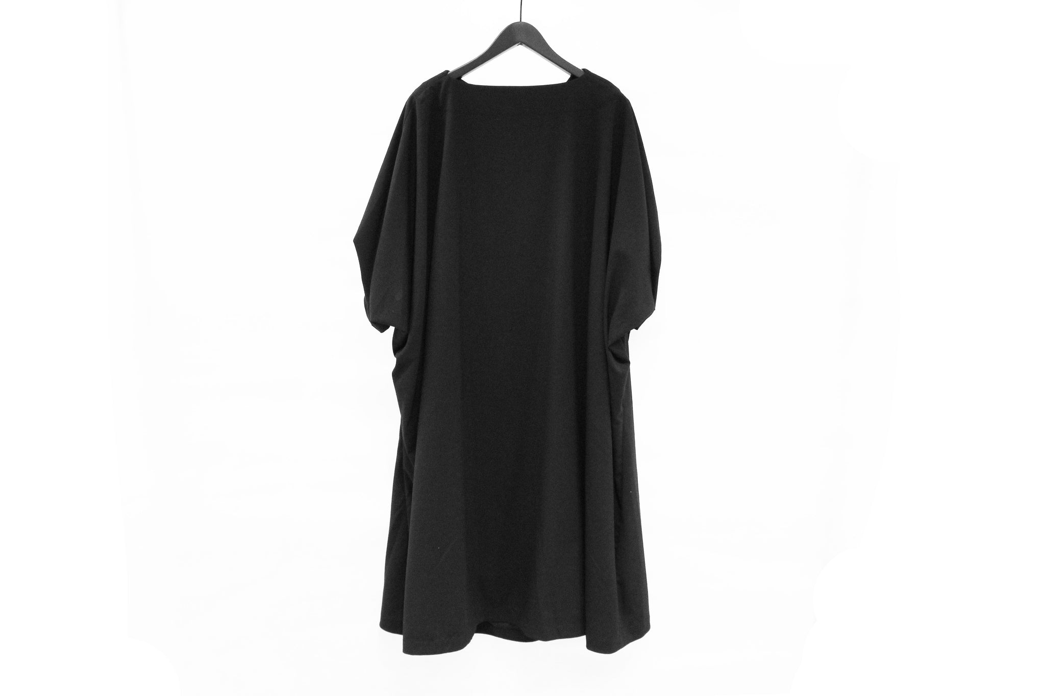 Moyuru Black Tucked Sleeves Dress