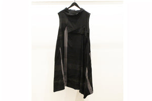 JI-U Black Sleeveless Check Tunic