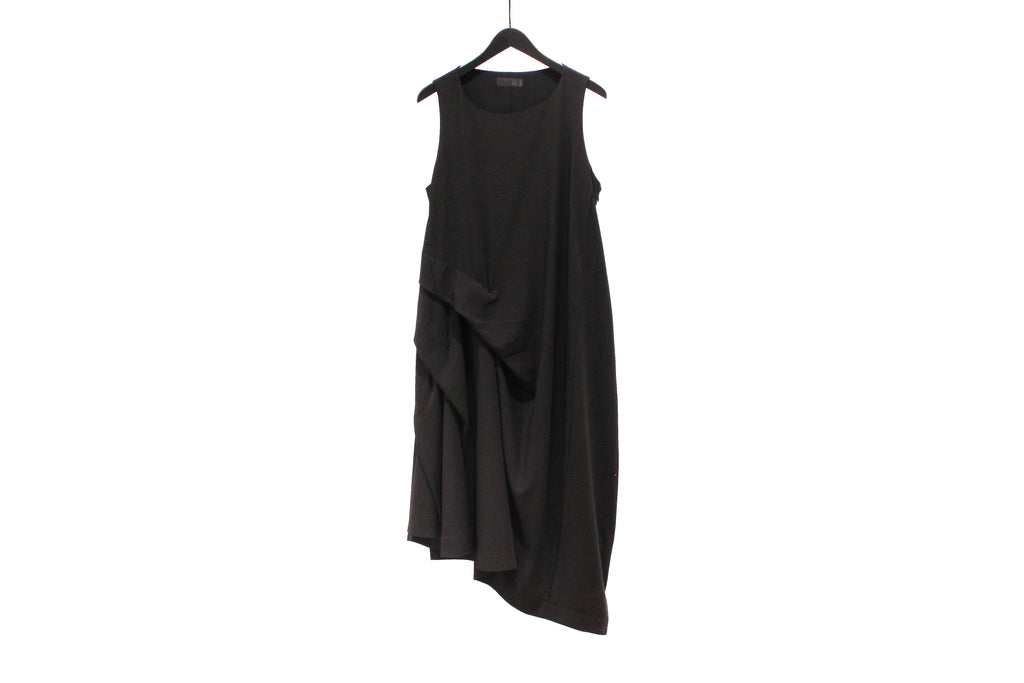 Moyuru Black Sleeveless Dress