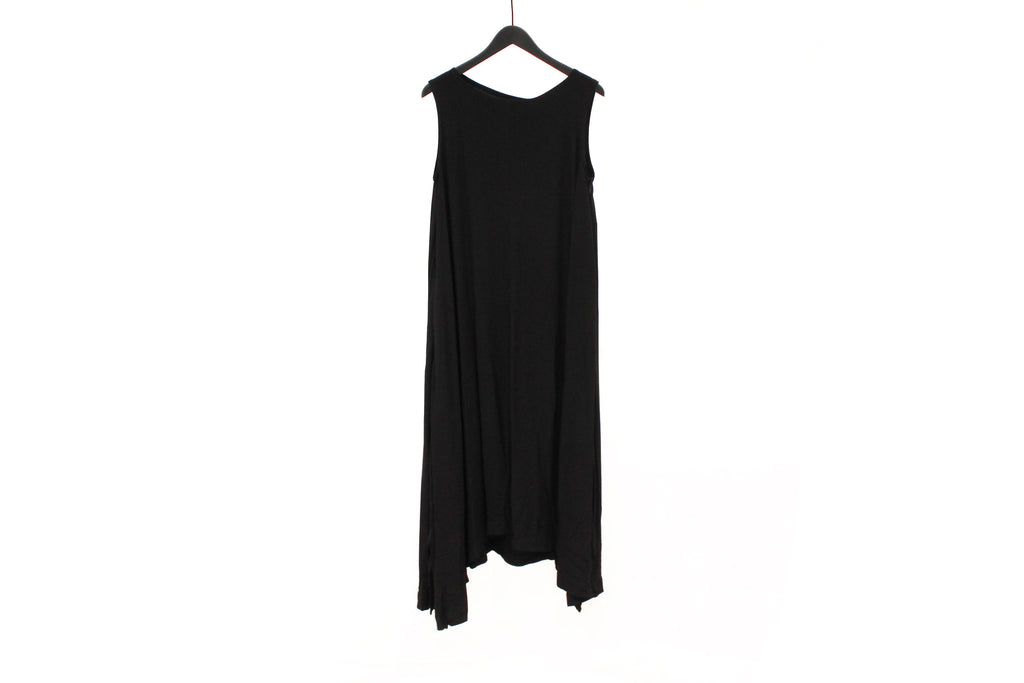 Moyuru Long Black Sleeveless Dress