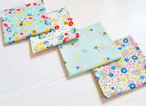 Bluebirds on roses fat quarter bundle - Blue