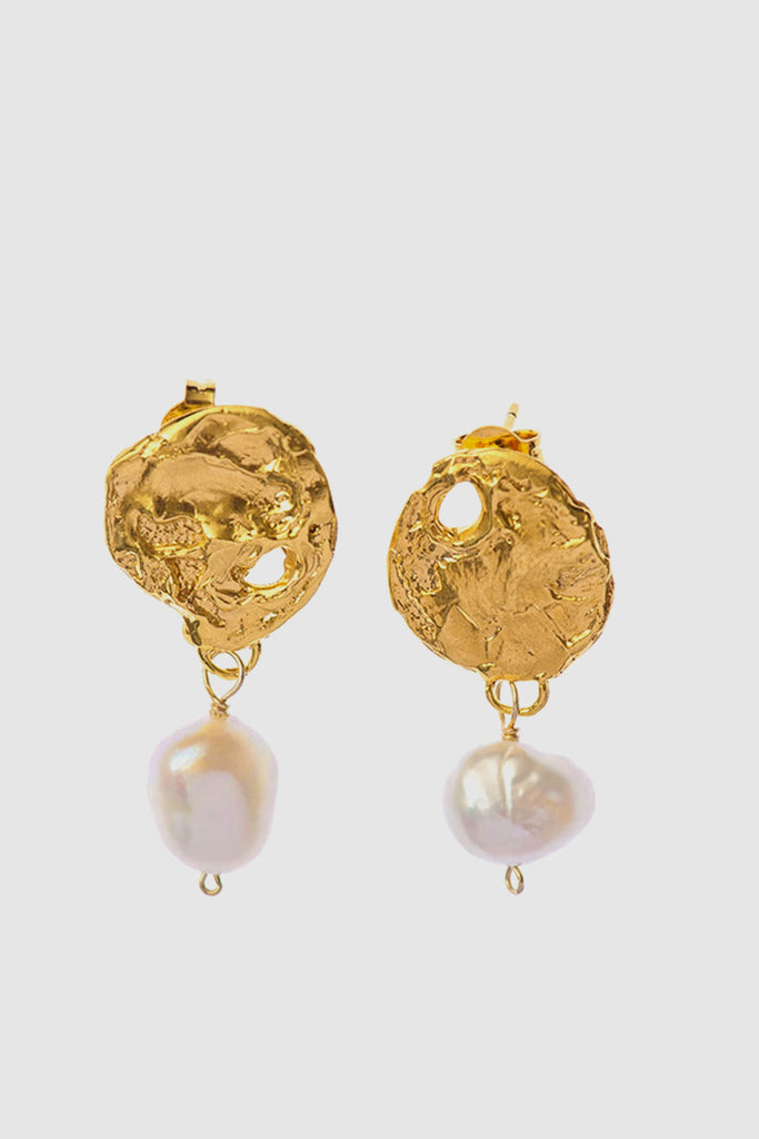 PopBae Women's Earrings With Natural Freshwater Pearl Drops In Gold Tone