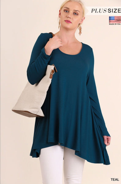 Umgee Soft Long Sleeve Scoop Neck Tunic in Teal - Curvy
