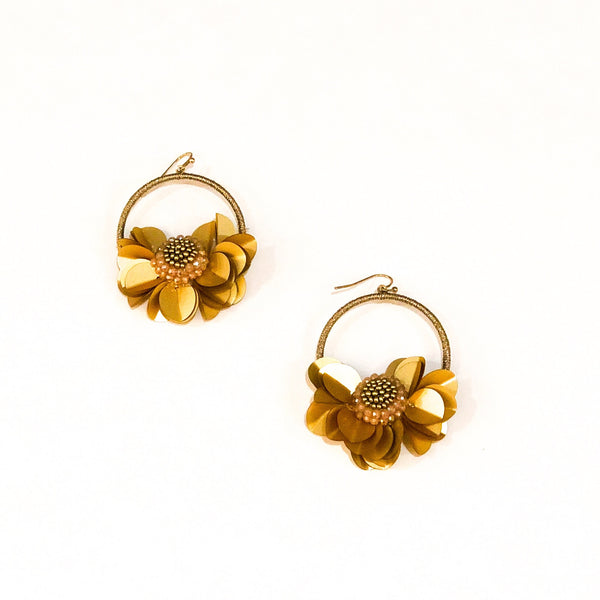 Floral Woven Earrings - Gold