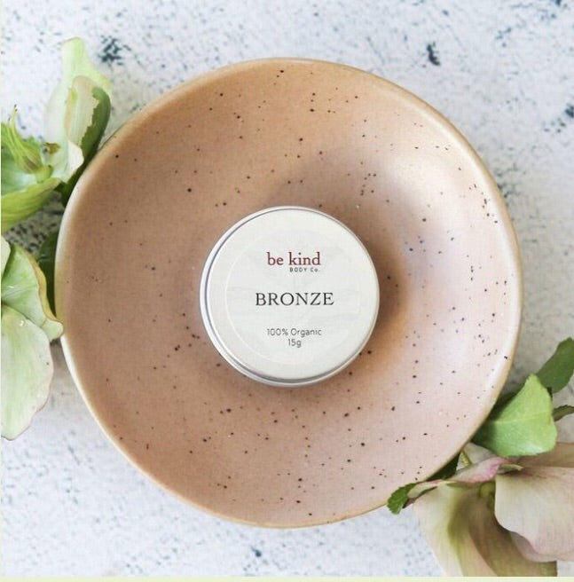 Natural makeup - BRONZER