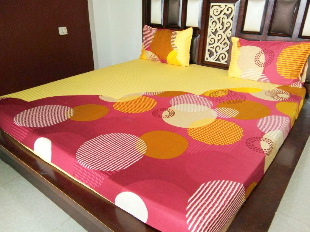 Big Energy Circle on Yellow & Maroon Fitted BedSheet